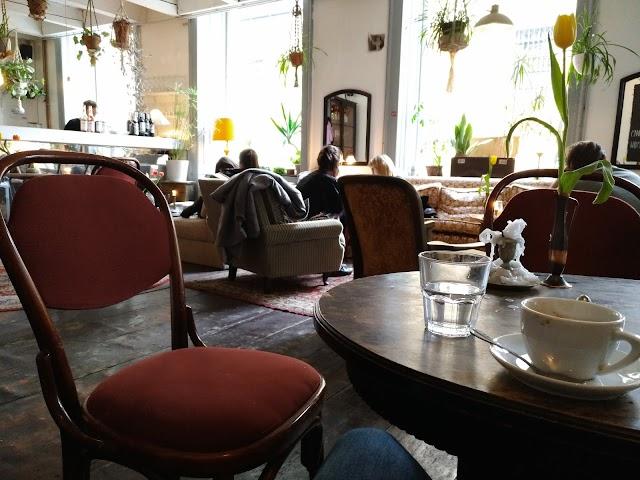 Café Burggasse 24