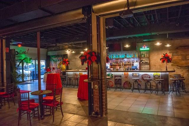 ocho live bar & lounge