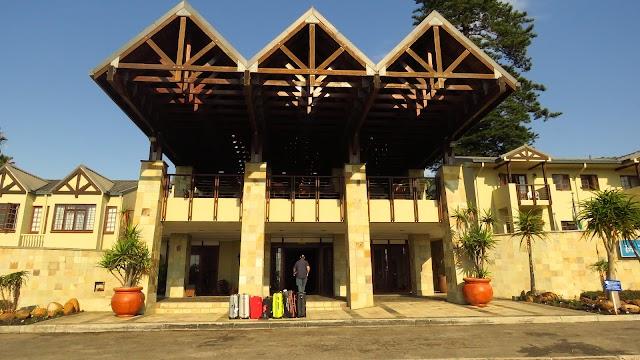 Karos Hotel