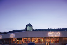 The Crossings Premium Outlets, Tannersville, United States