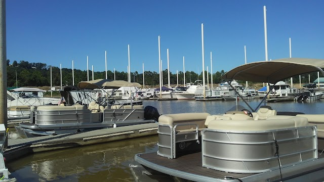 Manhattan Harbour Yacht Club