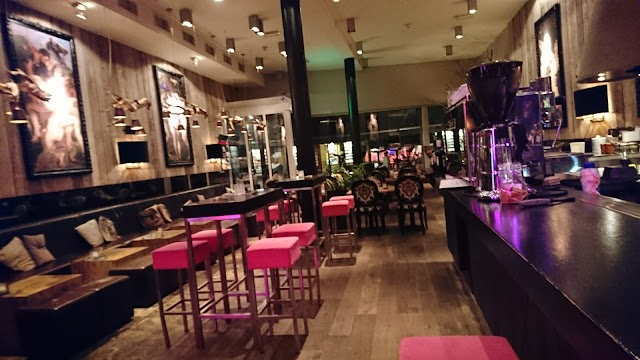 Grand café zussen