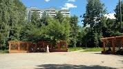 Сквер им. Анны Герман, Веерная улица, дом 7, корпус 1 на фото Москвы