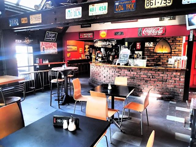 Red Rock Bar Cafe