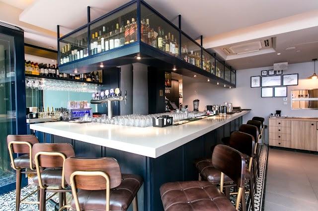 Harry's Gastro Bar