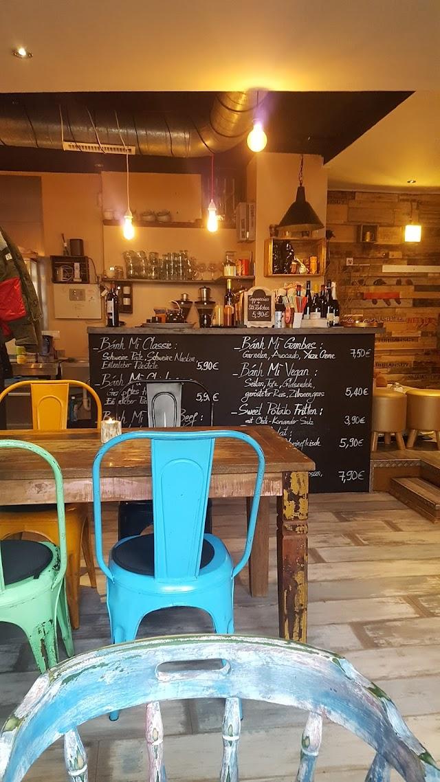1980 Cafe & Banh Mi