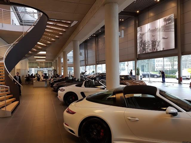 Porsche Centre Dusseldorf