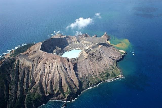 Whakaari Island (White Is)