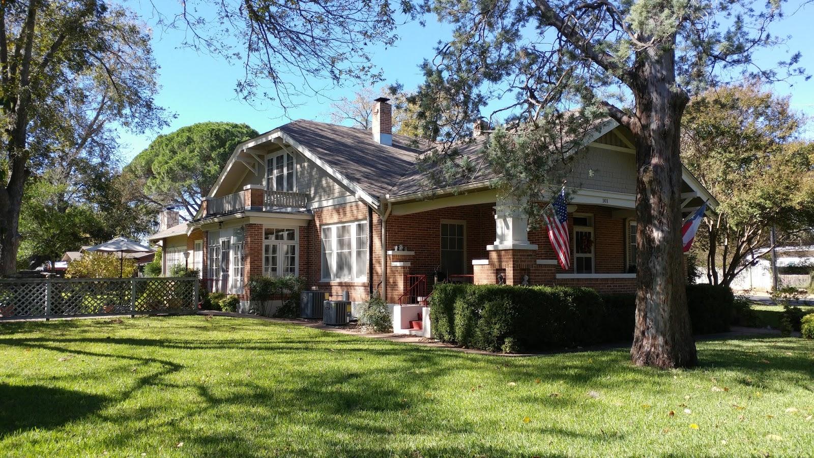 Stupendous 2 Wee Cottages Bed Breakfast Fredericksburg Texas Interior Design Ideas Clesiryabchikinfo