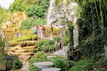 Jardin des Fontaines Petrifiantes, La Sone, France