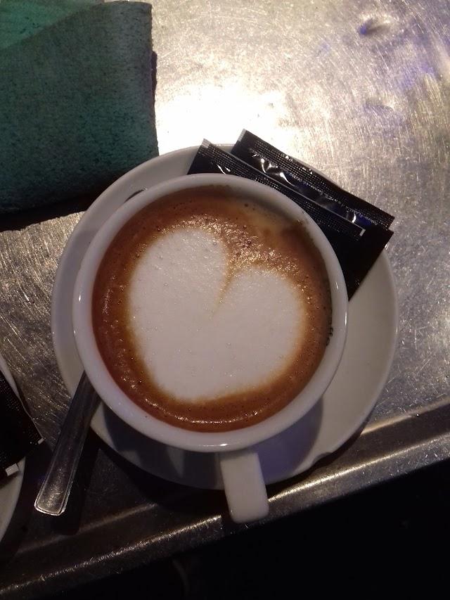 Petit Caffe Bar