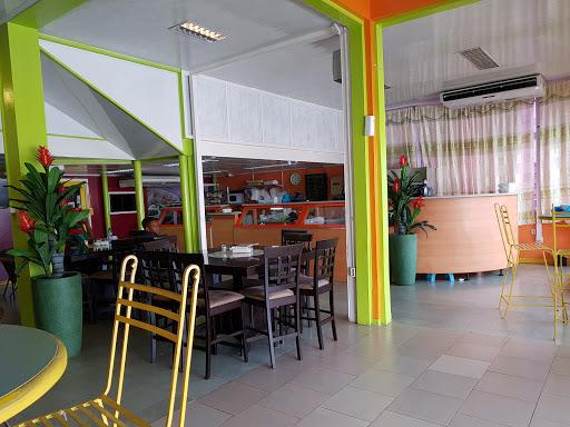 X-avenue Het Surinaams restaurant