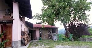Villa Cheti - Agriturismo. Zafferano, Ortofrutta, Aromatiche, Oli di Benessere e Acque Floreali Bio.