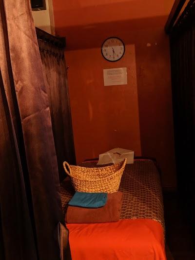 Mumsabai Therapeutic Massage Est 2008