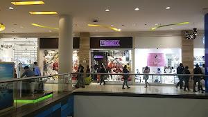 Moixx Mall Aventura Plaza 1