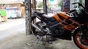 Bengkel Surya Motor Racing