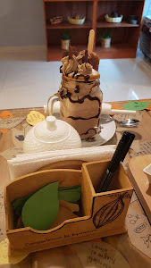 Ukaw (chocolate shop and cafe) 9