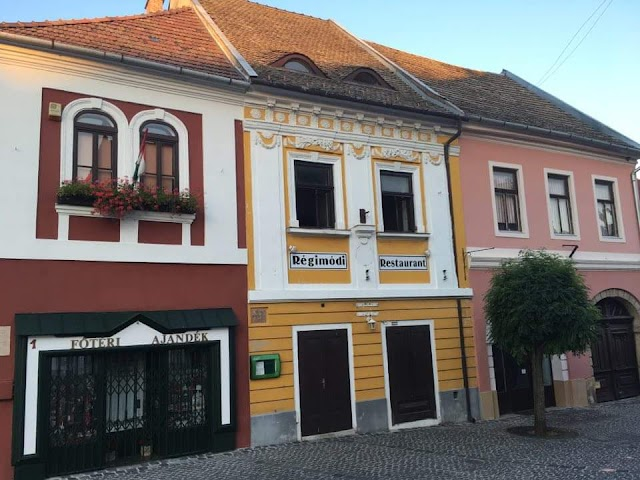Old Fashioned Restaurant