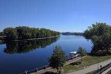 Mortensen Riverfront Plaza, Hartford, United States