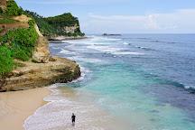 Pantai Banyu Tibo, Pacitan, Indonesia