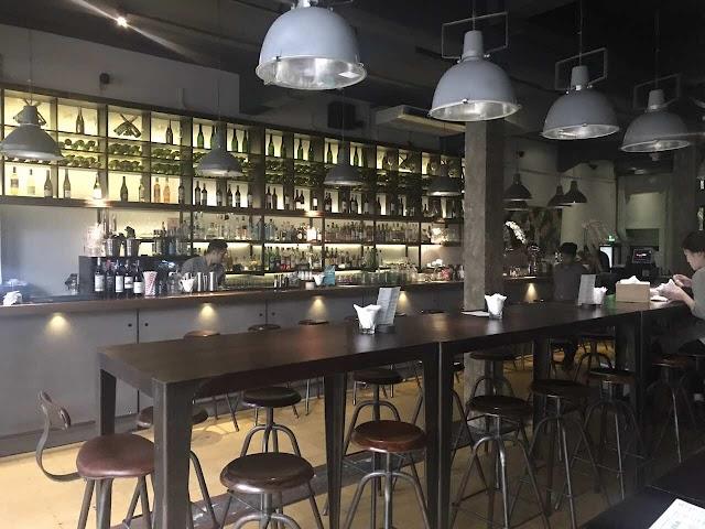 Bar 29