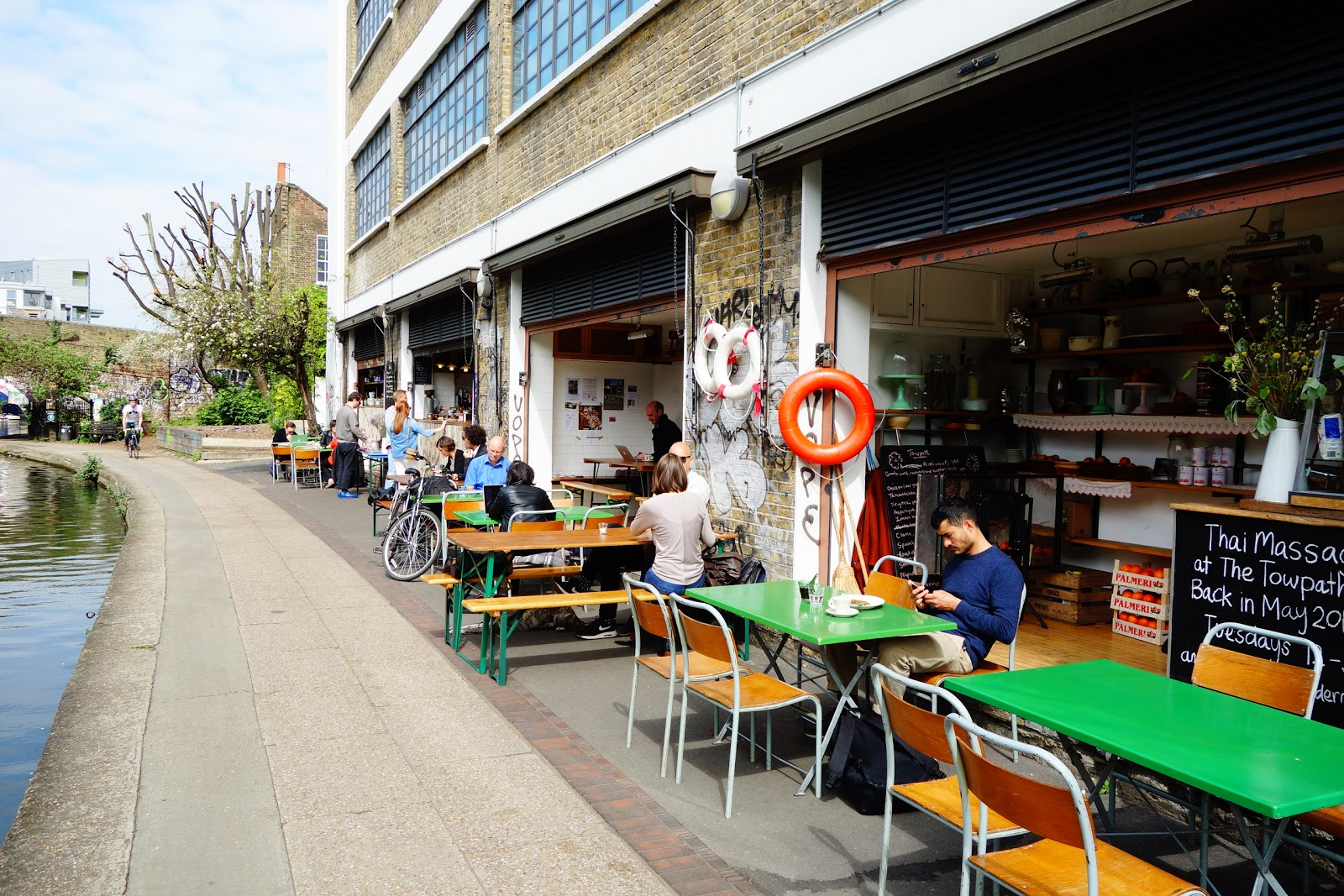 Towpath Café: A Work-Friendly Place in London