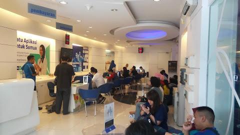 XL Center HR Muhammad Surabaya