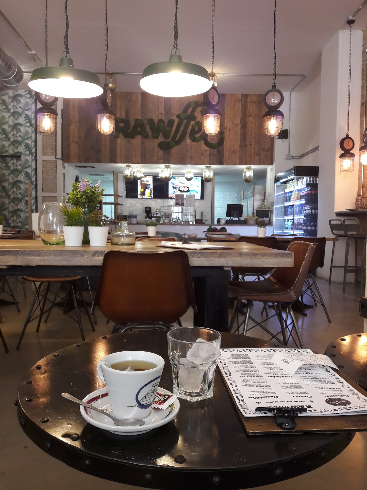 RAWffee: A Work-Friendly Place in Valencia