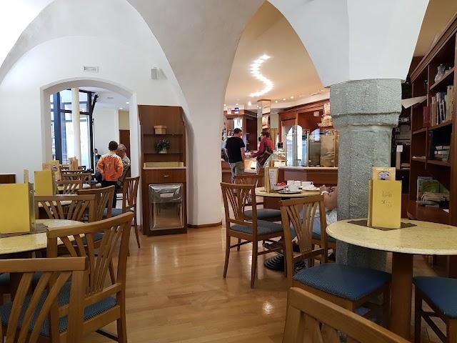Caffe Pasticceria Gelateria Riedl