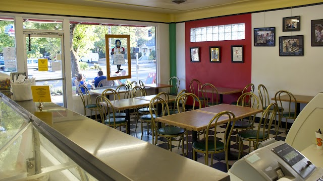 Prince Puckler's Ice Cream Store