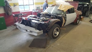 Earl's Collision Center & Auto Body Repair