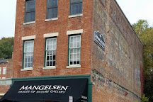 Mangelsen - Images of Nature Gallery, Galena, United States