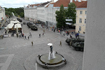 The Kissing Students fountain, Tartu, Estonia