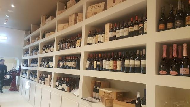 Satyrio Restaurant & Wine Merchants