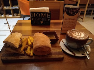 Manu Cafe 1