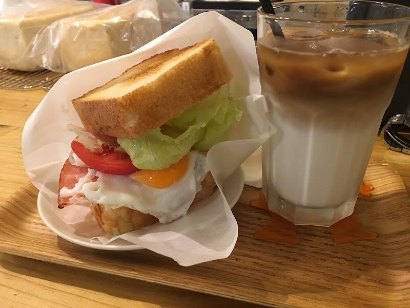 まっきーカフェ