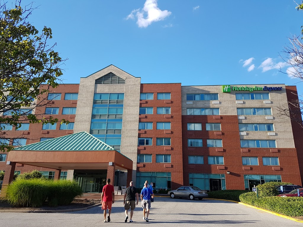 Holiday Inn Express St. Louis Airport- Riverport