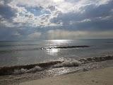 Пляж Прозрачный в Лоо