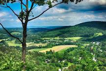 Mount Tom, Woodstock, United States