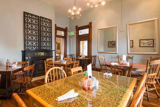 3 Sisters Café