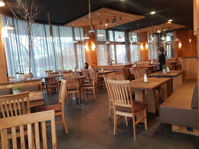 Cucina - Restaurant, Bistro & Café