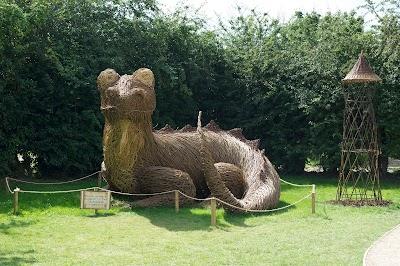 Hobbledown Adventure Farm Park And Zoo England 44 1372 848990