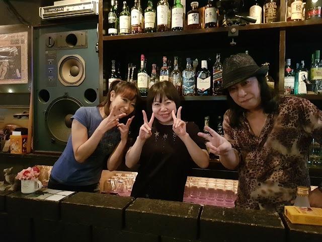 クロウダディ・クラブ (Rock Bar Crawdaddy Club)