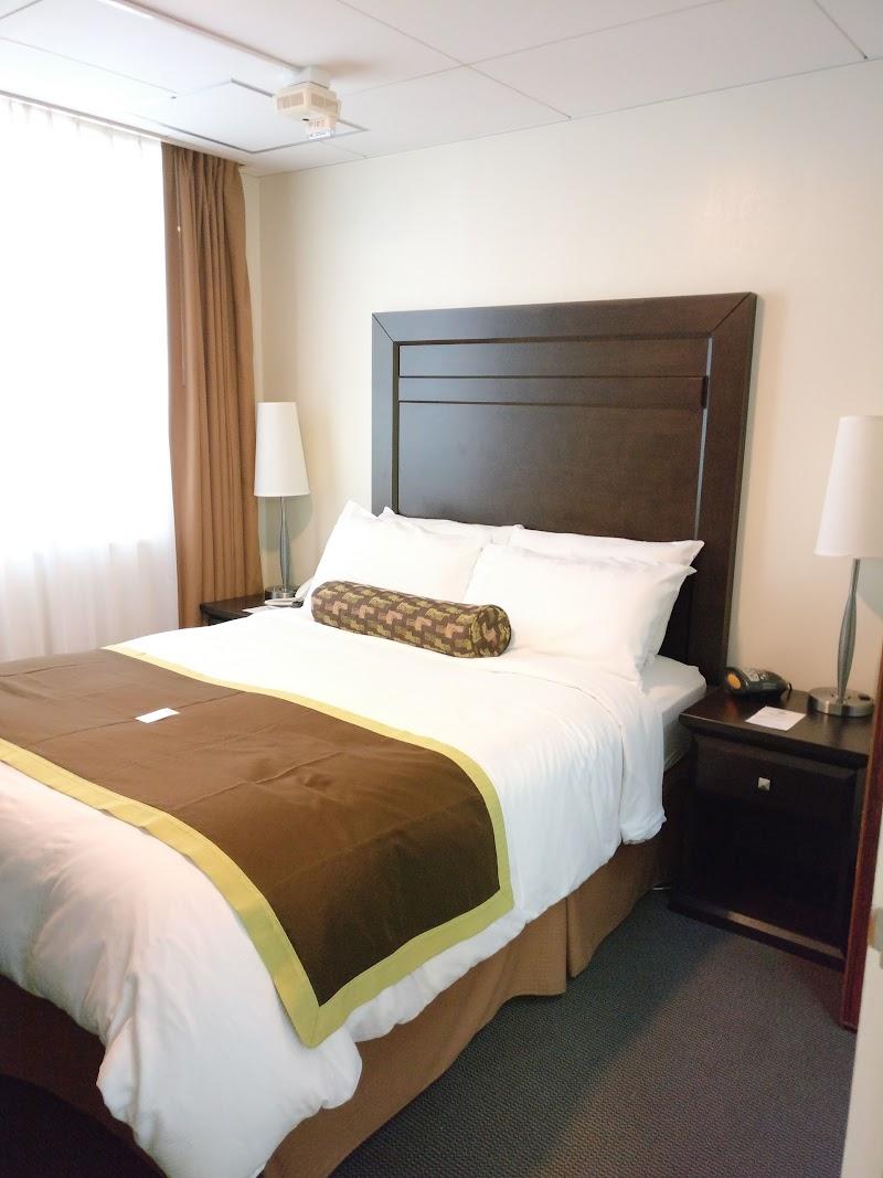 NAF Atsugi Navy Gateway Inn & Suites