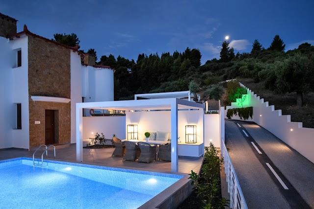 Villa D'Oro - Luxury Villas & Suites