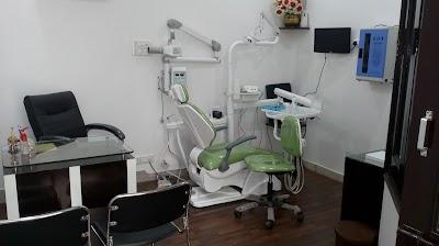 BABBAR DENTAL CLINIC & IMPLANT CENTRE