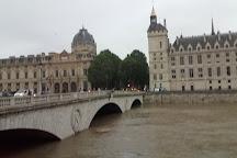 Pont de l'Alma, Paris, France