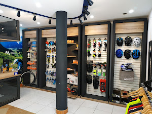 Alta Montaña Club Store 7