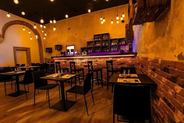 Tomasza 20 Resto Bar
