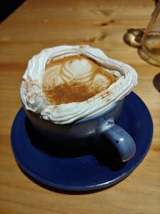 Manu Resto Cafe 8